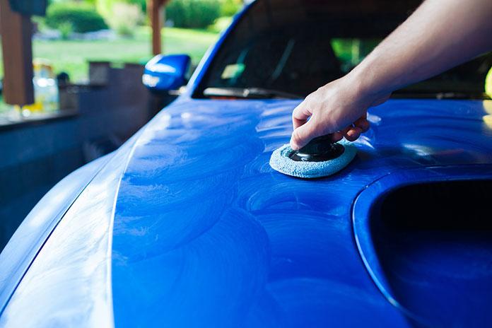 Alkohol izopropylowy do czyszczenia lakieru samochodowego